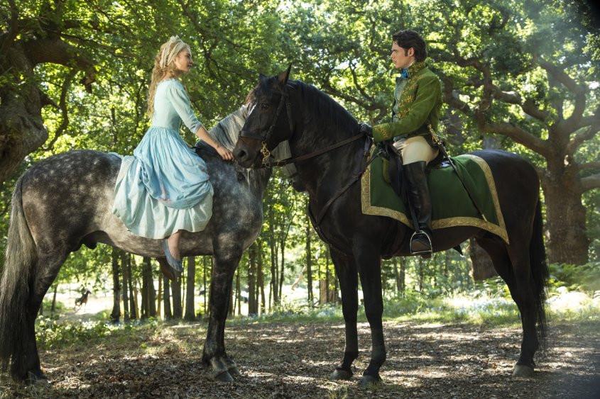 Movie Review: Cinderella (2015) - Geek Girl Pen Pals